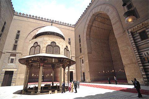 جامع السلطان حسن من الداخل