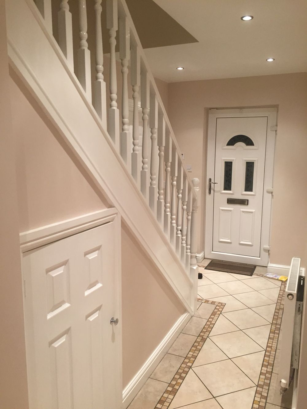 Hallway dulux natural hessian our first home for Dulux paint room ideas