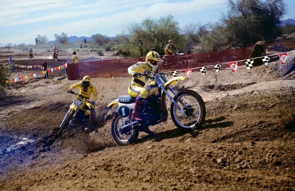 Hannah Ahead Of Jeff Jennings At Canyon Raceway Phoenix Arizona Vintage Motocross Motocross Yamaha
