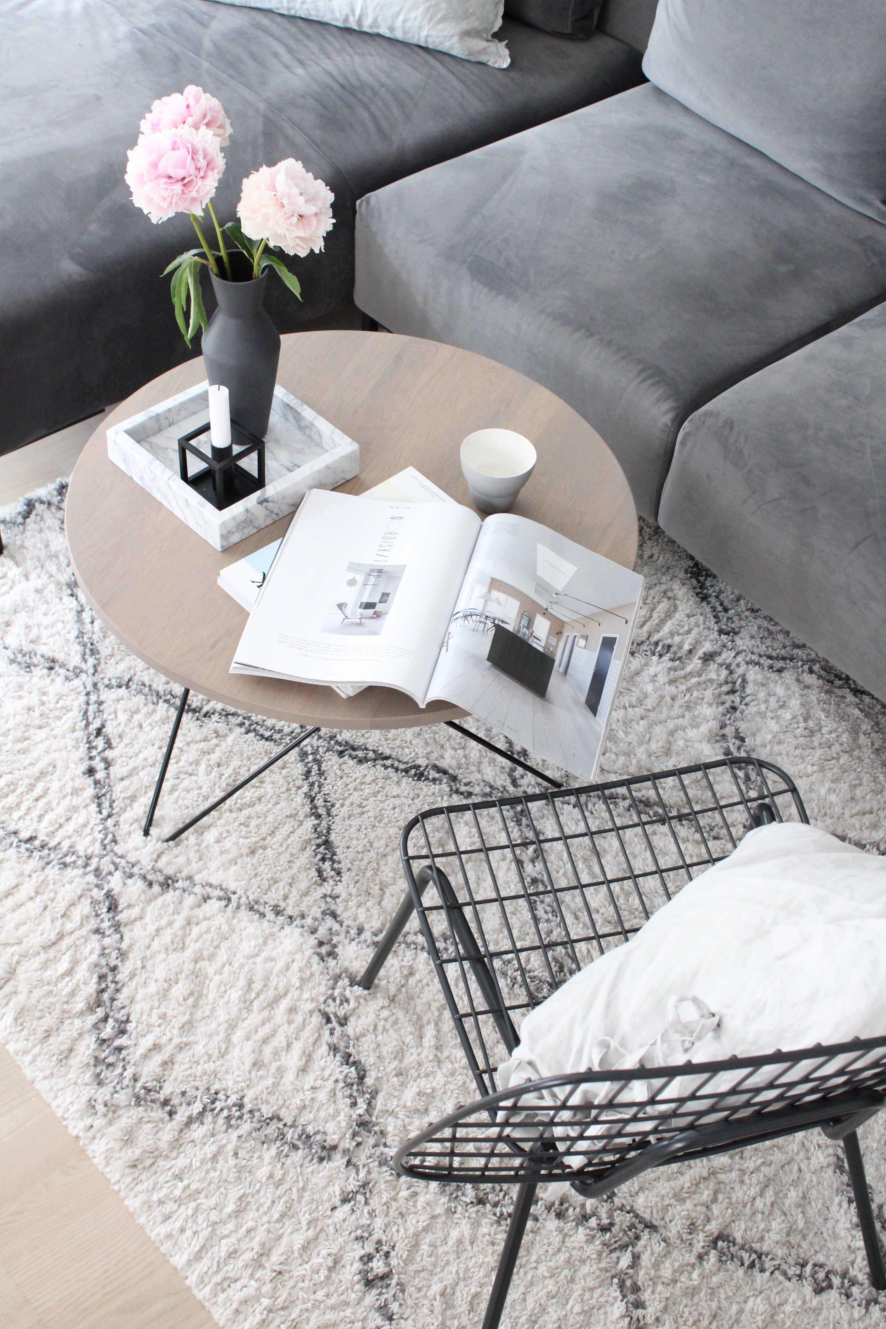 WM String Lounge Chair by Menu | Cozy living rooms, Marble tray and Cozy