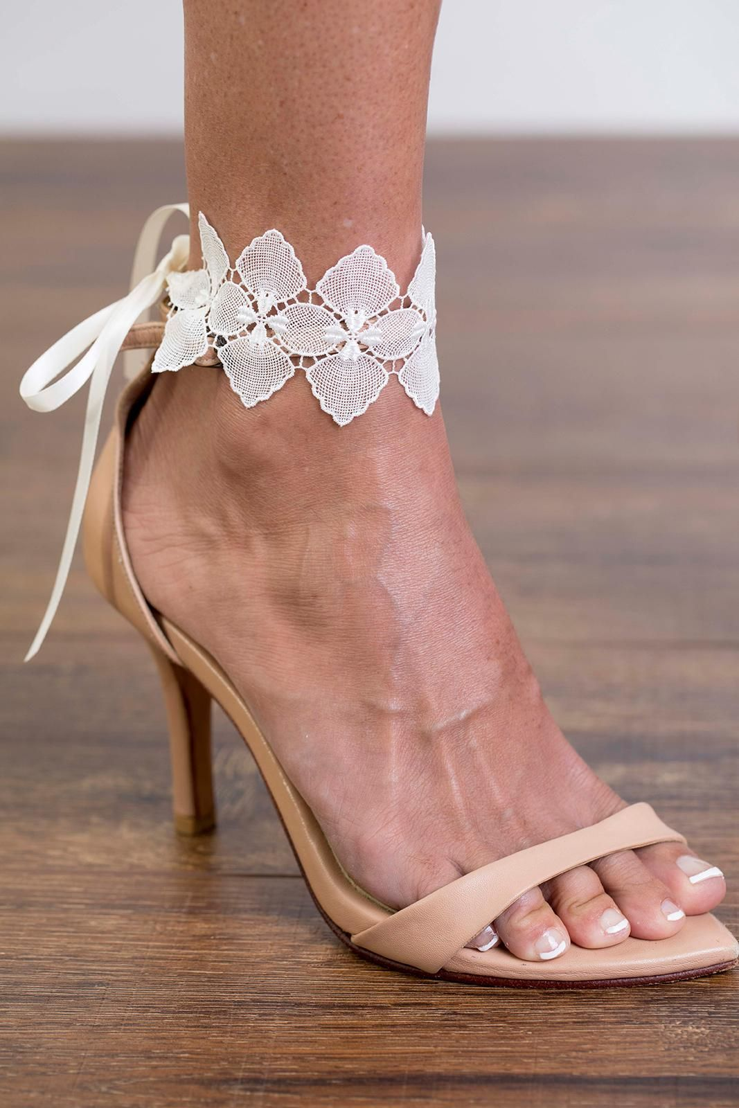 Bloom Anklets Bridal Shoes Accessories In 2020 Boho Wedding