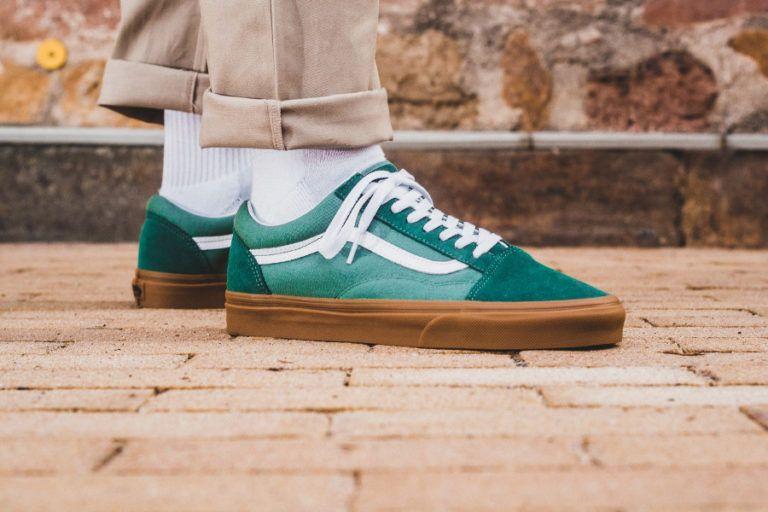 chaussure-vans-old-skool-verte-semelle-en-gomme-on-feet-VA38G1Q9V ...