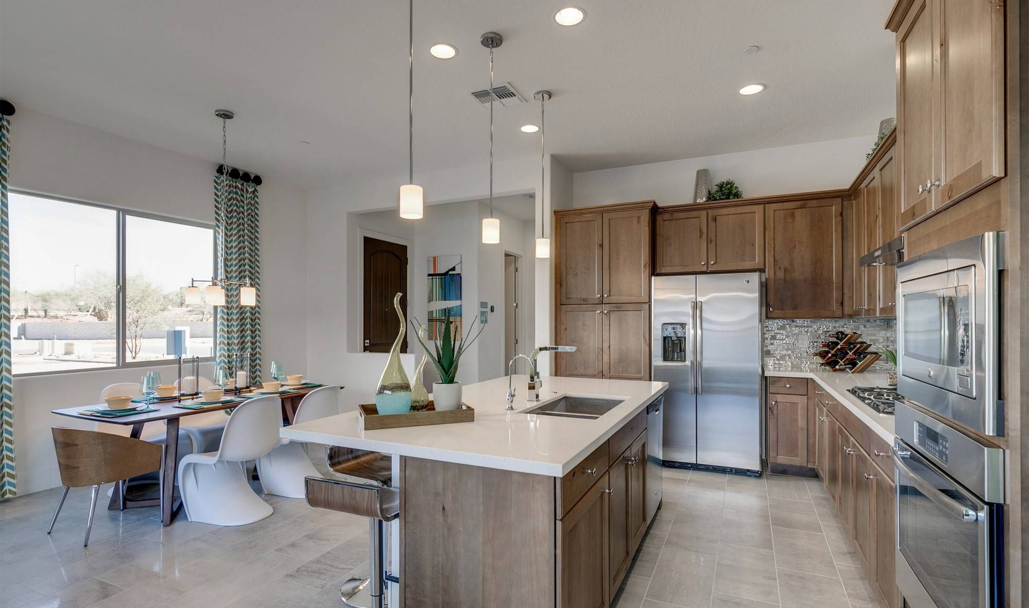 Pinnacle Ii At Silverstone By K Hovnanian Homes 23380 73rd Way Scottsdale Az 85255 Welcome Home To Luxur Large Kitchen Island Home Kitchens Kitchen Remodel