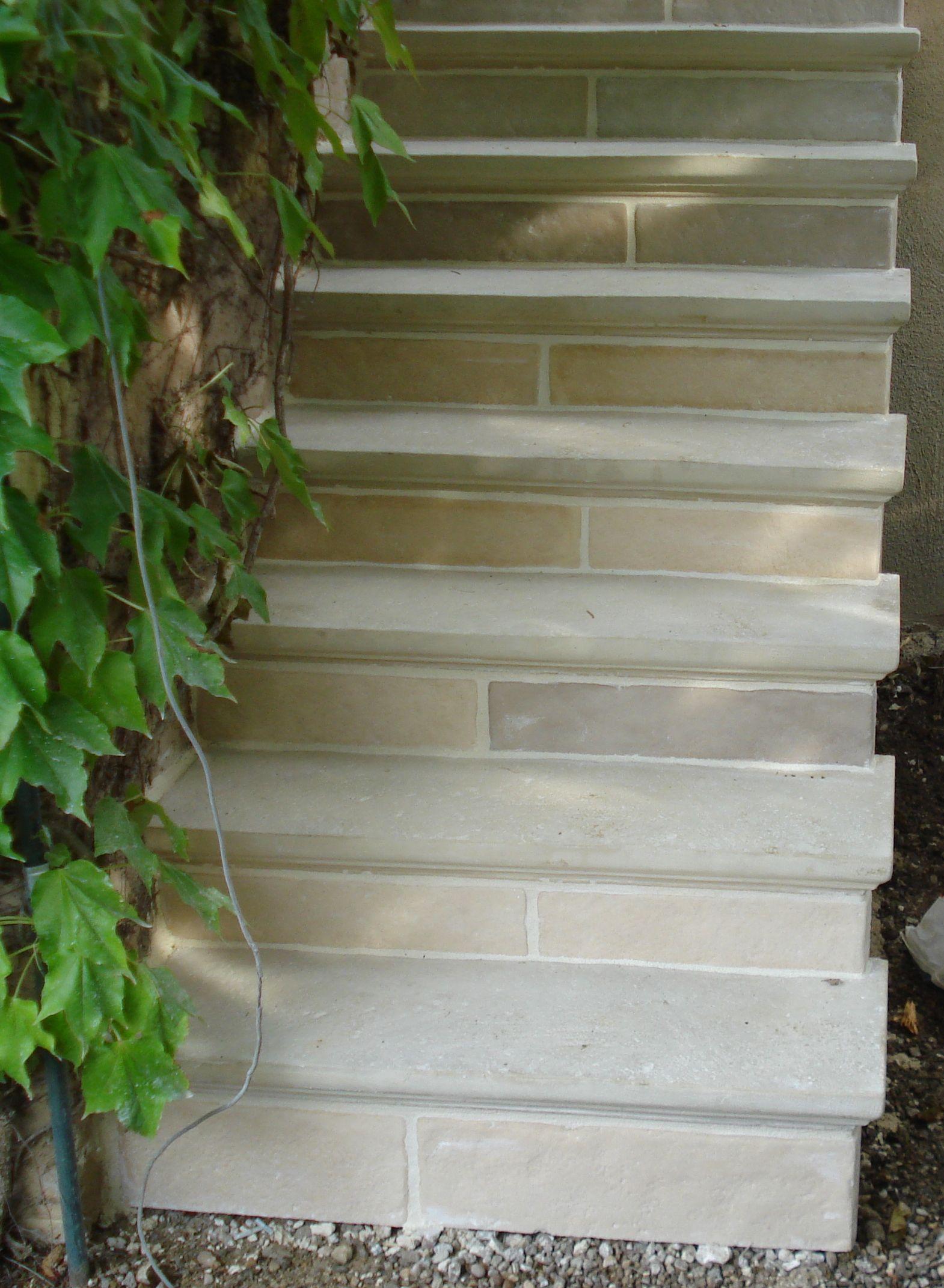 Marches Et Contremarches Abbatiales En Pierre Reconstituee Escalier Exterieur Beton Parement Pierre Exterieur Escalier Exterieur