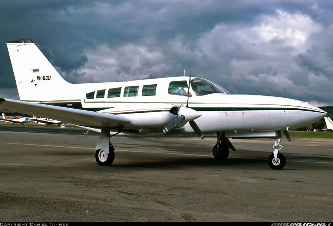 Cessna 402C Businessliner aircraft picture Flew charters with great Airplane