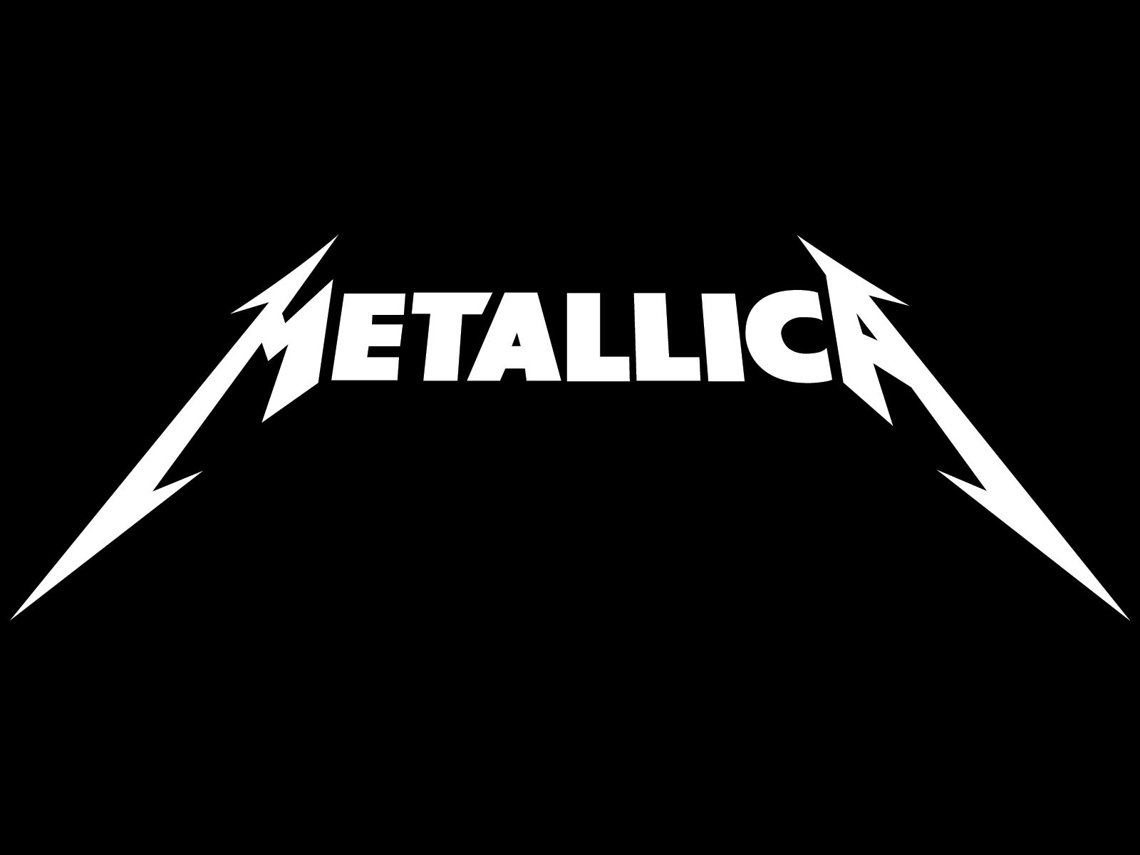 Metallica Logo - An example of using sans serif typeface accentuated with selective serifs on the letters at either end of the word. I also like how they adjusted the thickness of the strokes on the end words to give a sense of size and form to the text.