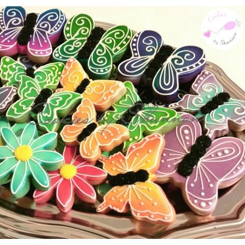 Airbrushed butterflies and flowers www.facebook.com/cookies.by.shannon