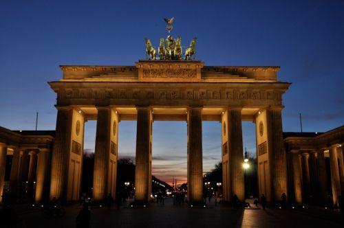 Berlin Sightseeing Top 10 Highlightshttp Www Everytrail Com Guide Berlin Sightseeing Top 10 Highli Orte Zum Besuchen Brandenburger Tor Wochenende In Berlin