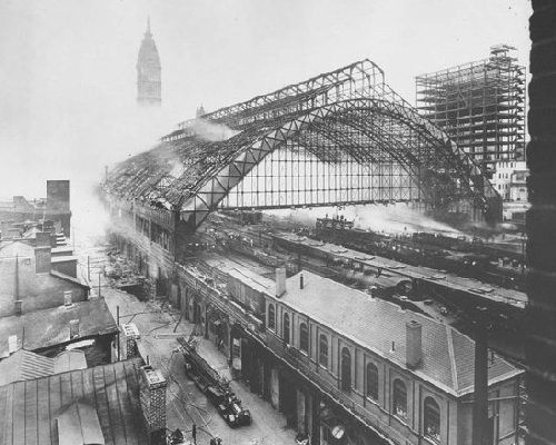 Old Train Station Right Outside City Hall In The Very Early 20th Century I Believe Very Neat Old Train Station Philadelphia Railroad Station