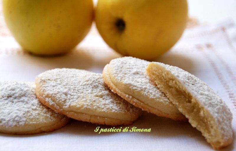 Frollini cuor di mela - ricetta frollini ripieni di mela