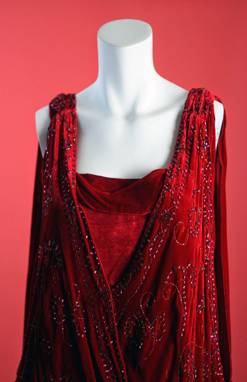S antique flapper beaded red silk velvet plunging beaded red