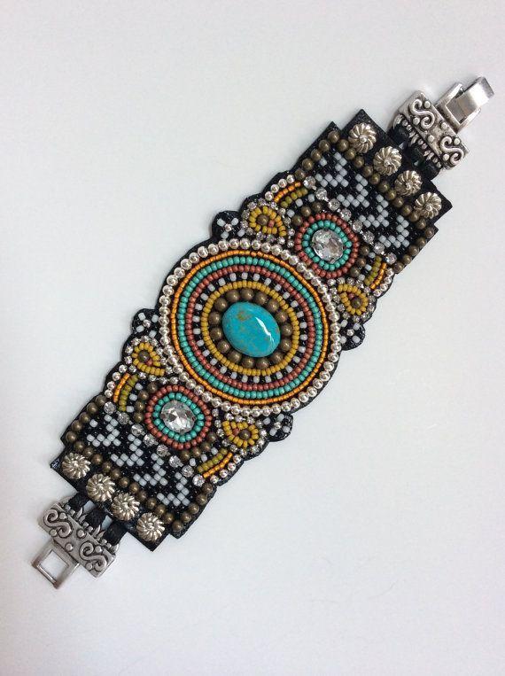 Bead Embroidery Cuff Bracelet | bordados | Pinterest | Granos ...