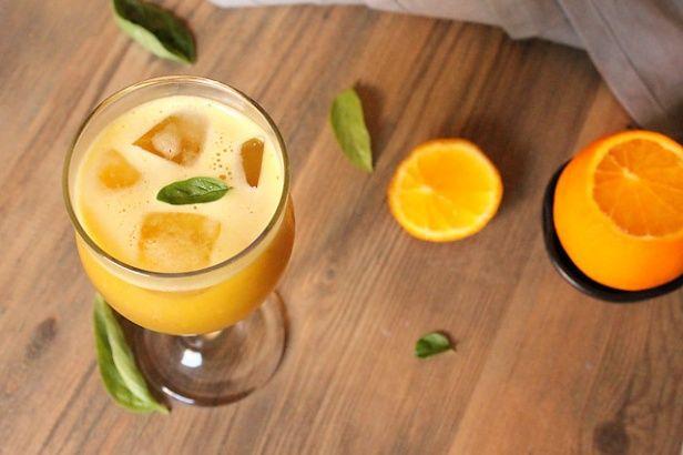 オレンジとバジルのジュース☆一見不思議な組み合わせに見えますがスッキリとした味わいで美味しいんです。