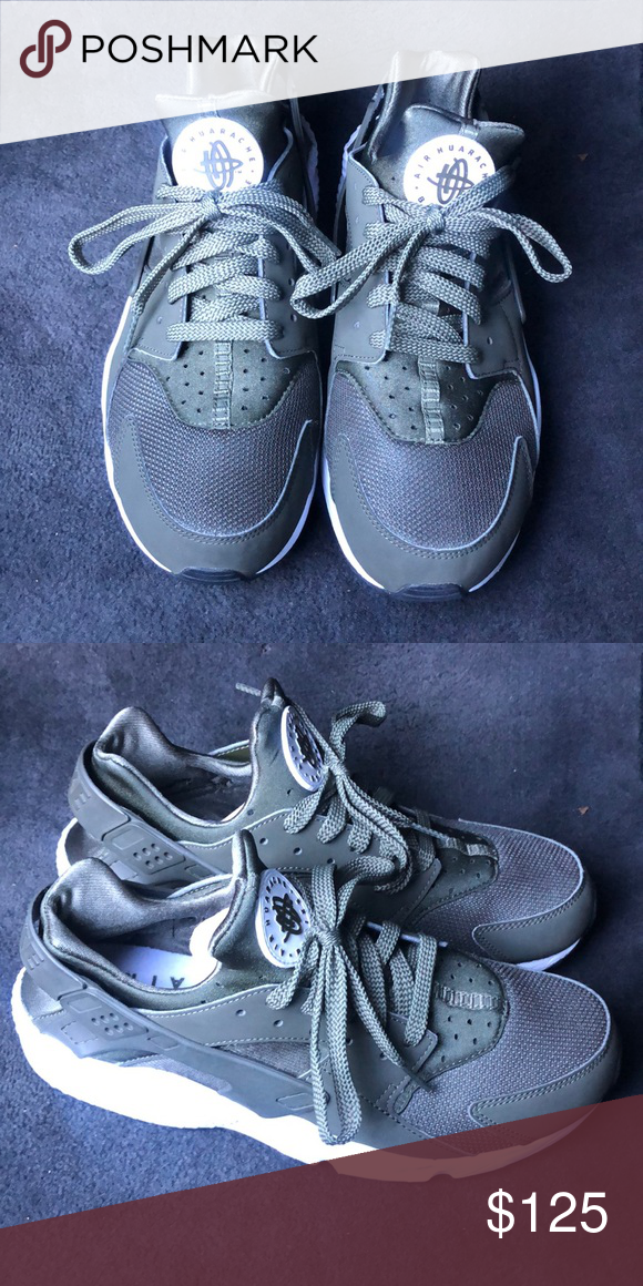 more photos 1aba9 ef846 Nike Huarache 95% condition still in good shape Nike Shoes ...