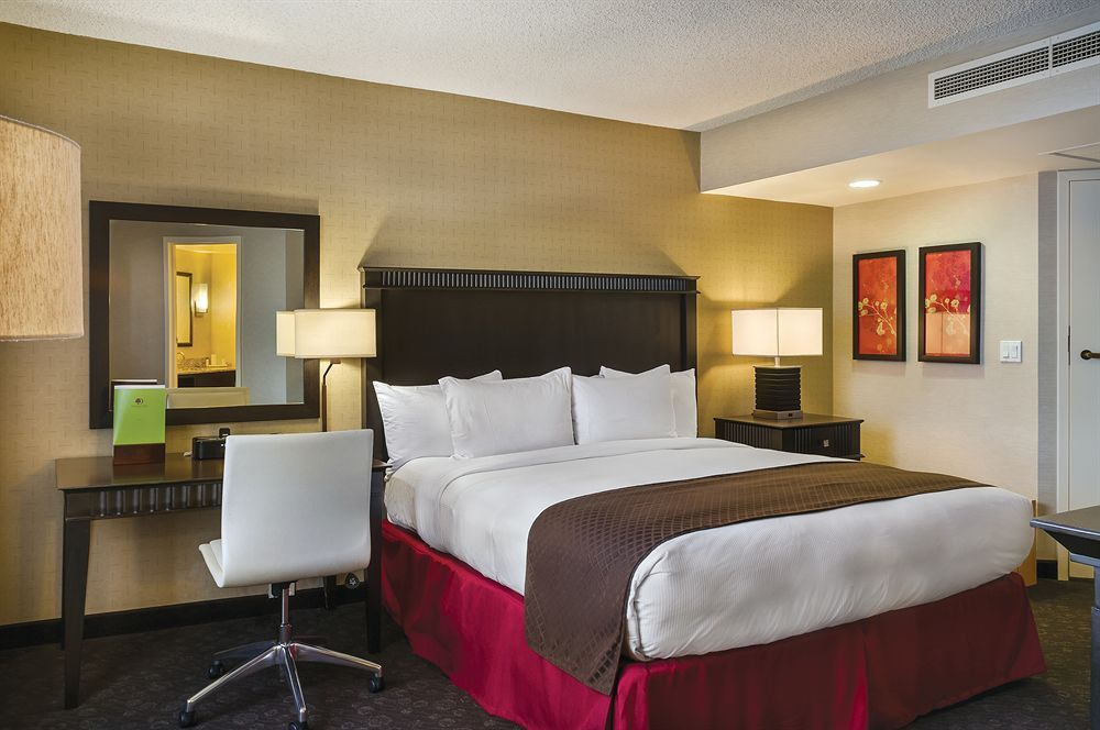 Doubletree By Hilton Hotel Los Angeles Downtown Hotels Com Los Angeles Hotels Homewood Suites Suites