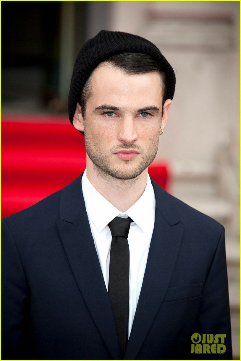 tom sturridge gif