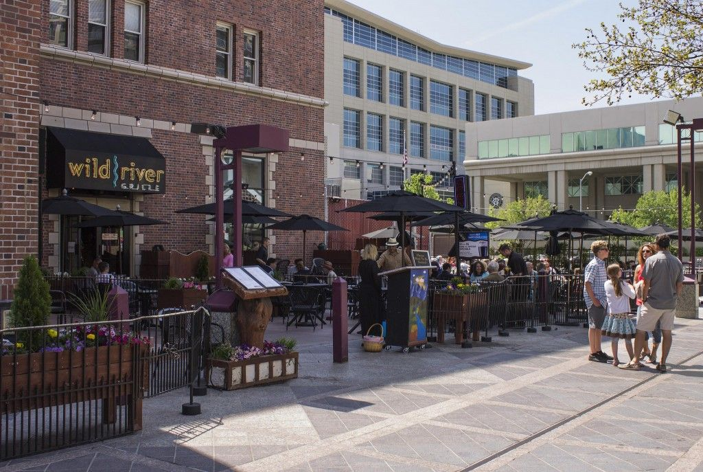Our Favorite Eateries With Outdoor Seating Wild River