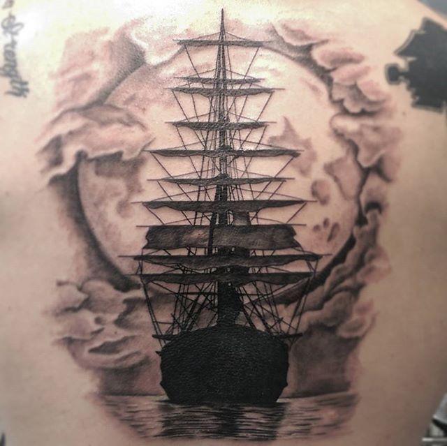 last nights ship tattoo tattoo shiptattoo pirateshiptattoo inkstagram piratas cia. Black Bedroom Furniture Sets. Home Design Ideas