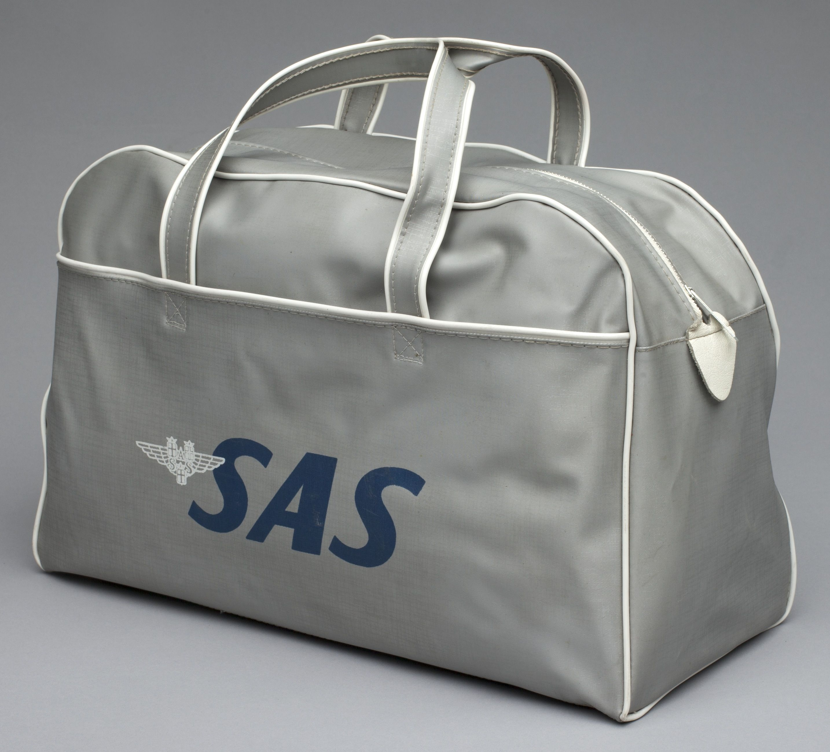 Pin By Sfo Museum On Airline Bags In 2019 Airline Travel