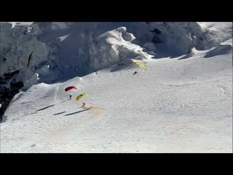 Absolutely amazing: Speed Flying from the Mont Blanc with beautiful Mountain Scenerie