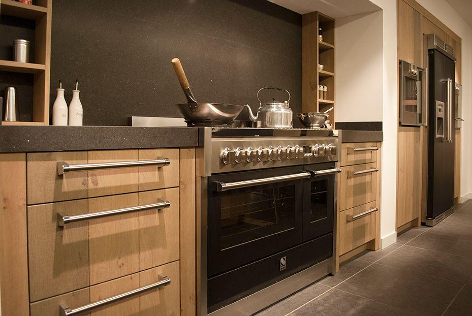 Houten Keuken Dreamland : De combinatie van hout met het robuuste blad en de donkere