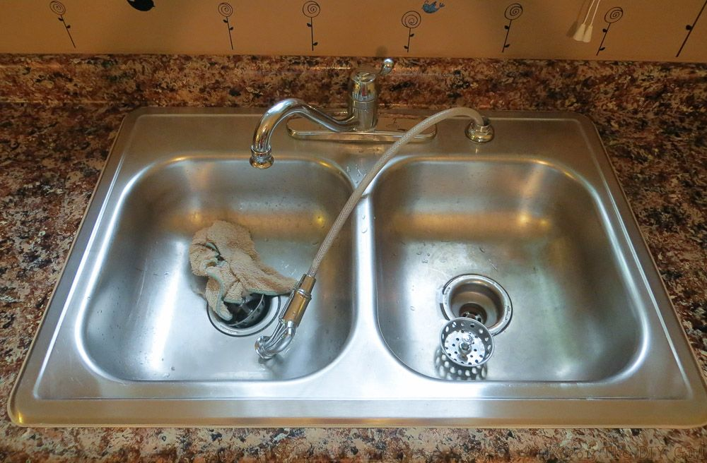 Caulking Sink After Giani Granite Paint The Diy Girl Giani Granite Granite Paint Caulking