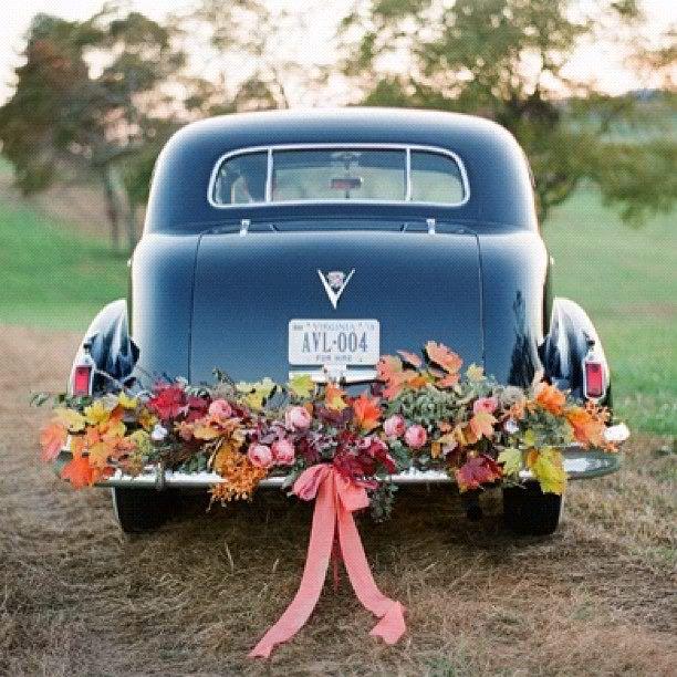 Blumendeko fr das Brautauto 1001hochzeiten  Wedding