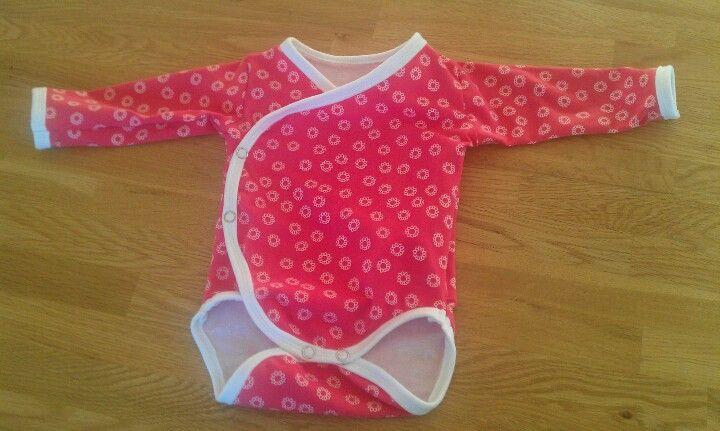 Wrap around onesie Pattern: http://nefertaricreations.com/2010/07/18 ...