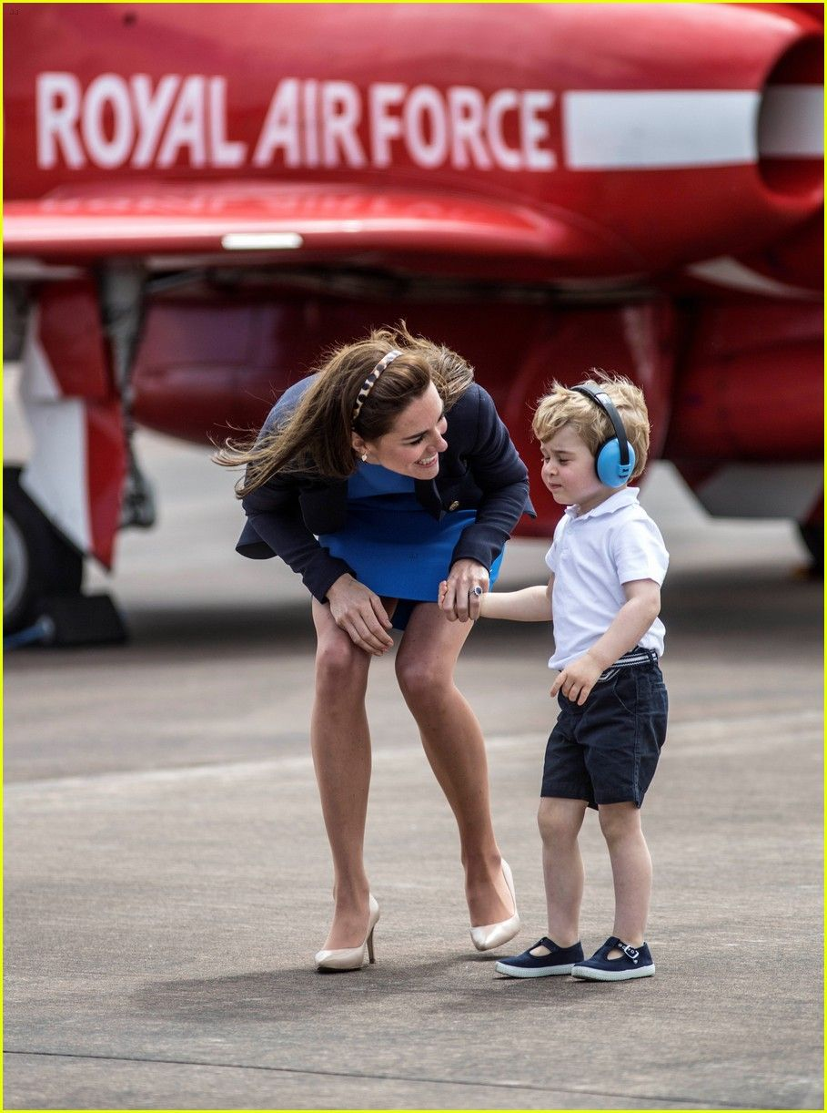 Kate Middleton & Prince George Share Cute Moments at Royal Air Show