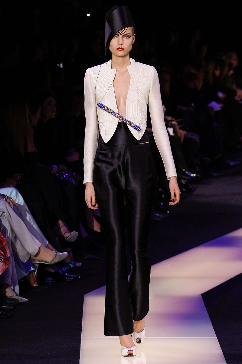 Armani Privé Spring 2013 Couture - Review - Fashion Week - Runway, Fashion Shows and Collections - Vogue - Vogue