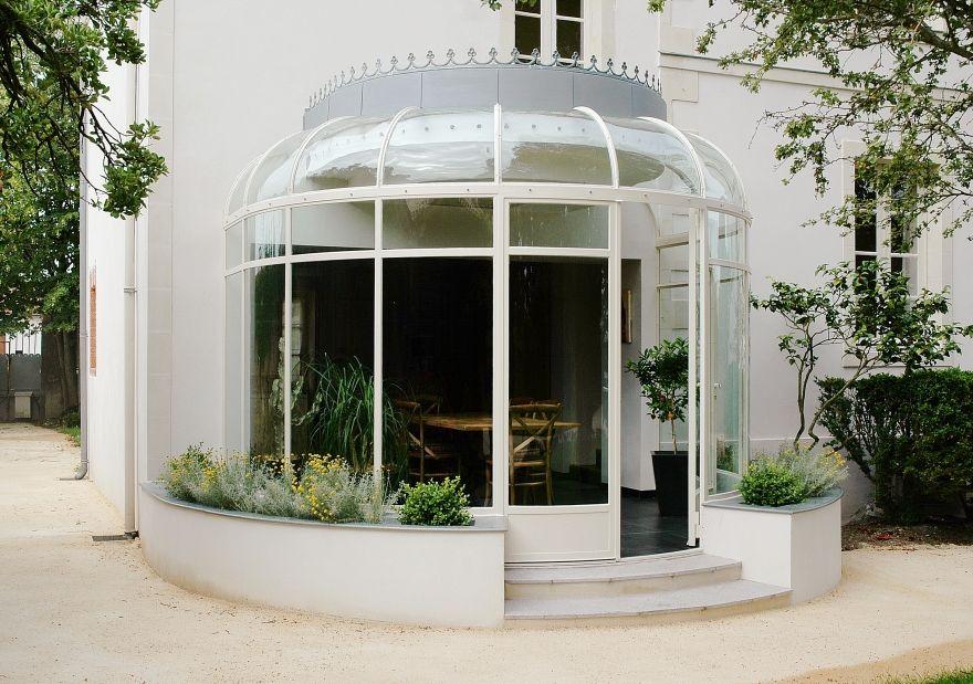 Véranda en acier arrondie pour une vue panoramique | Verriere, Veranda, Double vitrage