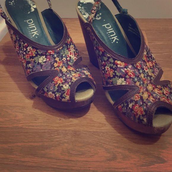 Selling this Flowery summer sandals on Poshmark! My username is: femmefetale. #shopmycloset #poshmark #fashion #shopping #style #forsale #Pink Studio #Shoes