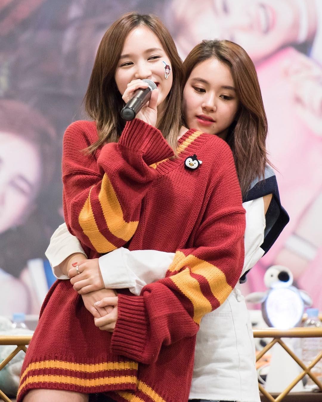 michaeng  . . . #Twice  #Nayeon #Jungyeon #Sana #Mina #Dahyun #Jihyo #Chaeyoung #Tzuyu #Momo #트와이스 #michaeng #michae