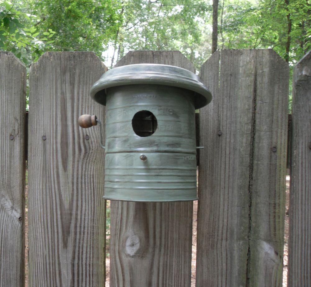 Flour sifter bird house