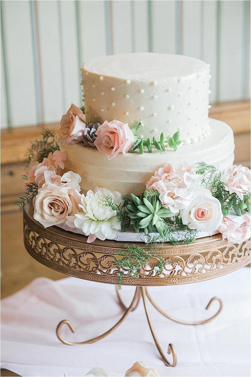 Saddle Peak Lodge Wedding Elizabeth Burgi Wedding Cake Stands Simple Wedding Cake Gorgeous Wedding Cake