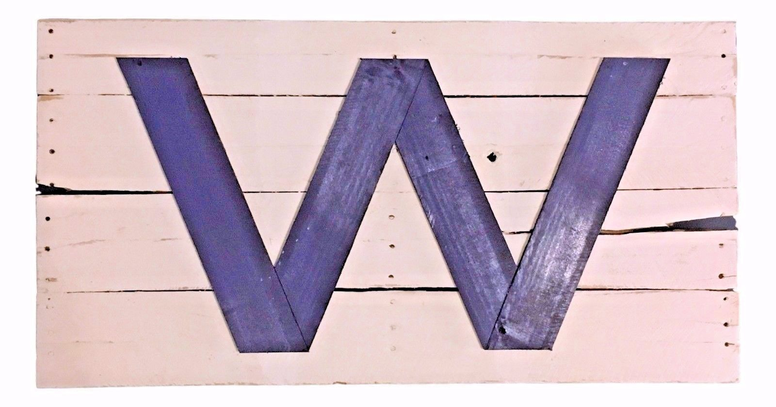 Reclaimed Wood Cubs Win W Flag - Distressed