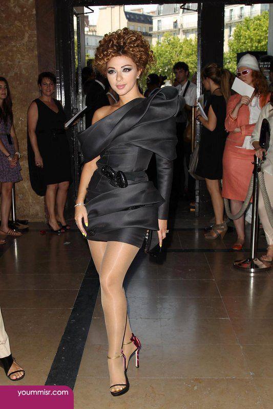 تسريحات ميريام فارس الجديده 2016 روعه فى برنامج انستقرام Short Black Cocktail Dress Celebrity Dresses Celebrity Inspired Dresses