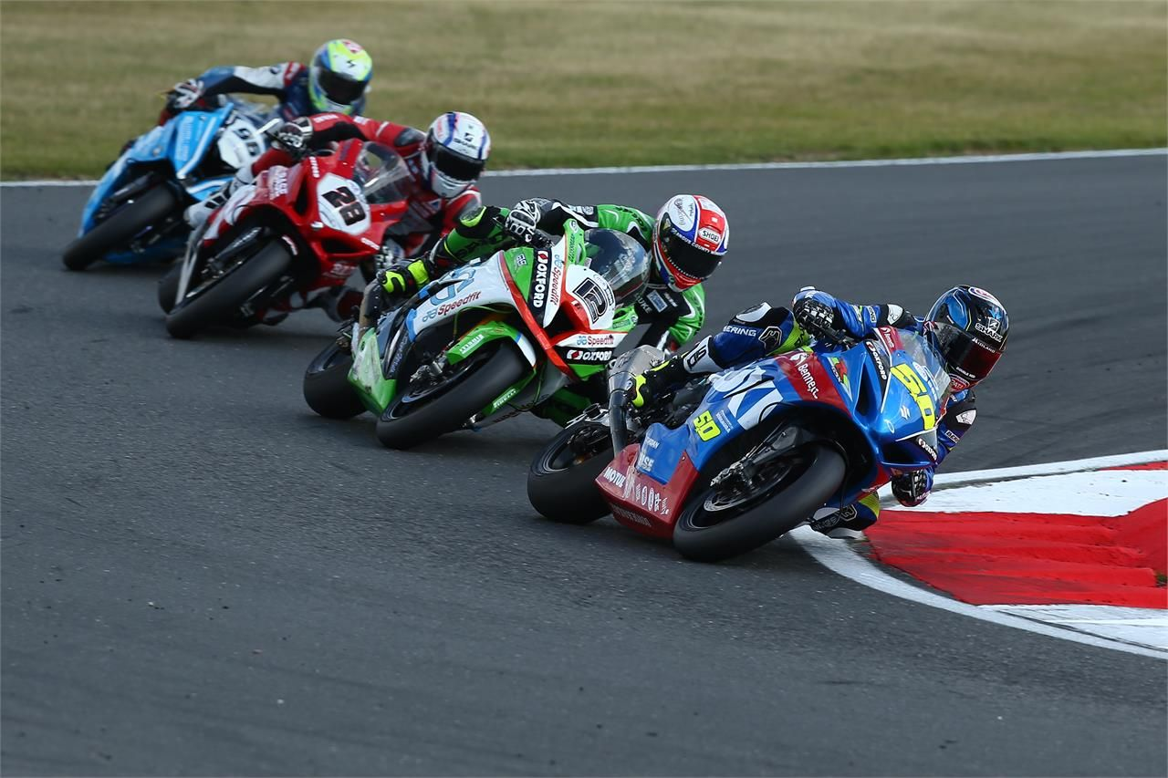 Guintoli Top 10 At Tough Snetterton Bsb With Images Motorcycle