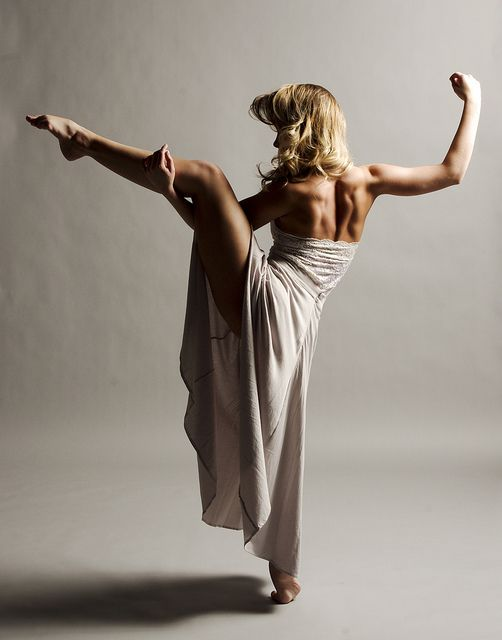 Beautiful dancer. Great back muscles.