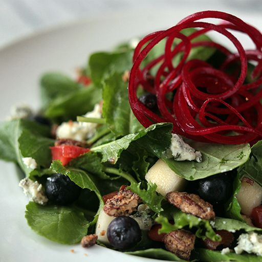 Power Kale Salad- yeah! http://sacredpepper.com/