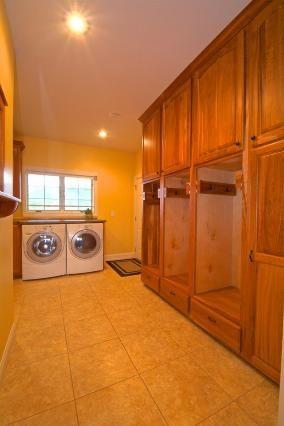 Lockers/Cabinets