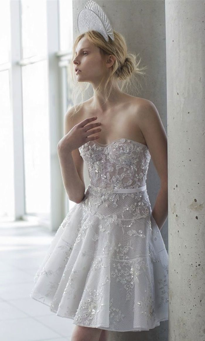 Short wedding dresses with luxury details