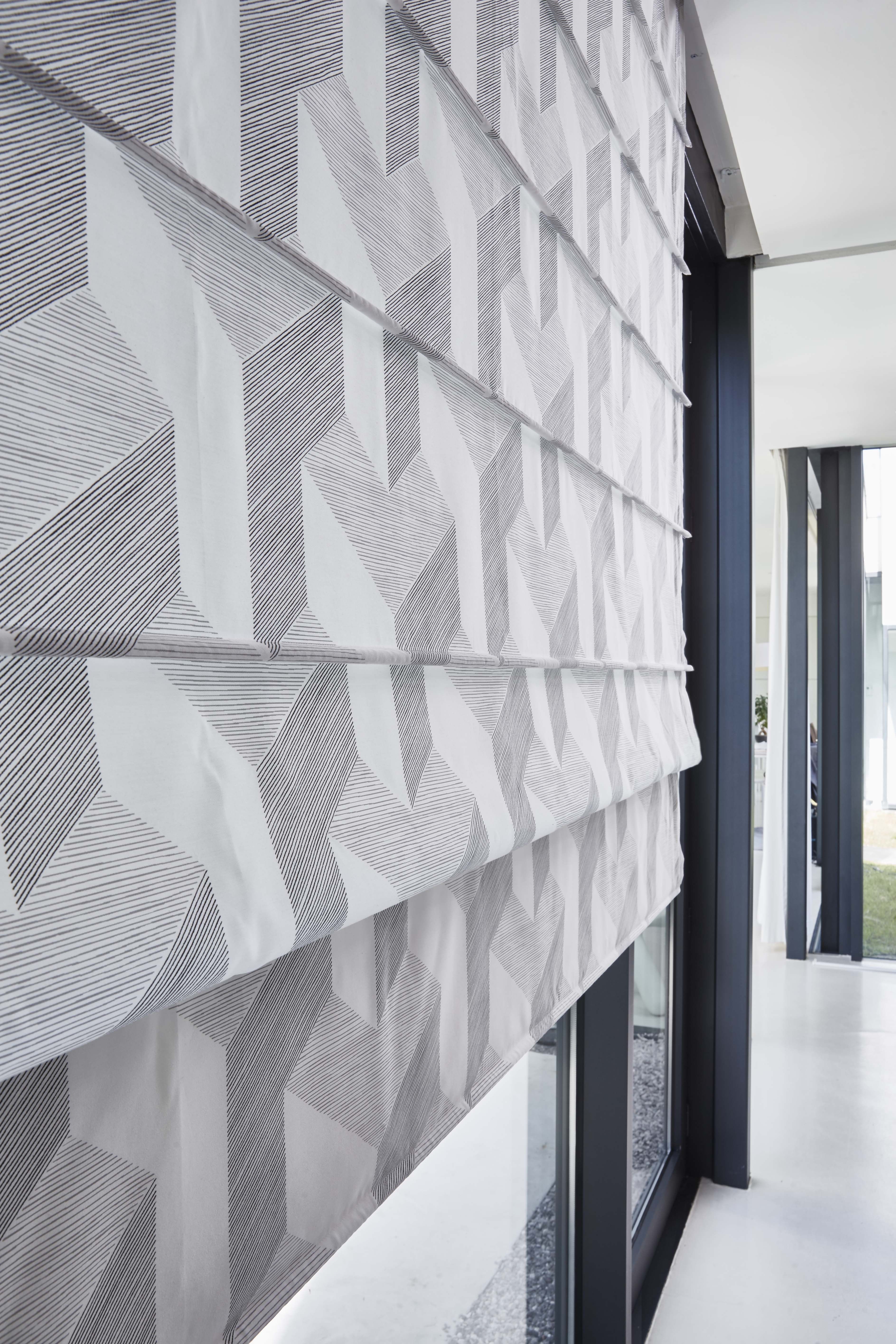 store am ricain tissu en tissu prisme gris nouveaut collection heytens fen tres pinterest. Black Bedroom Furniture Sets. Home Design Ideas