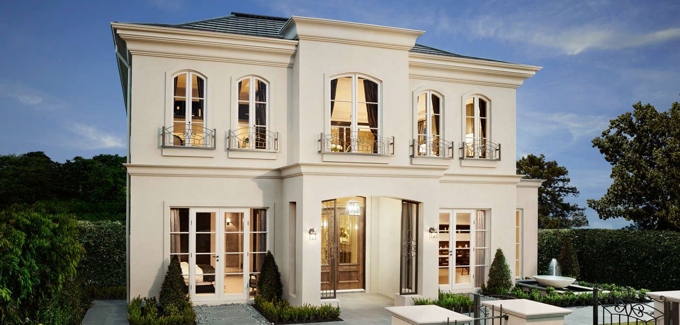 Facade an opulent use of render and iron lacework makes for Architecture maison classique