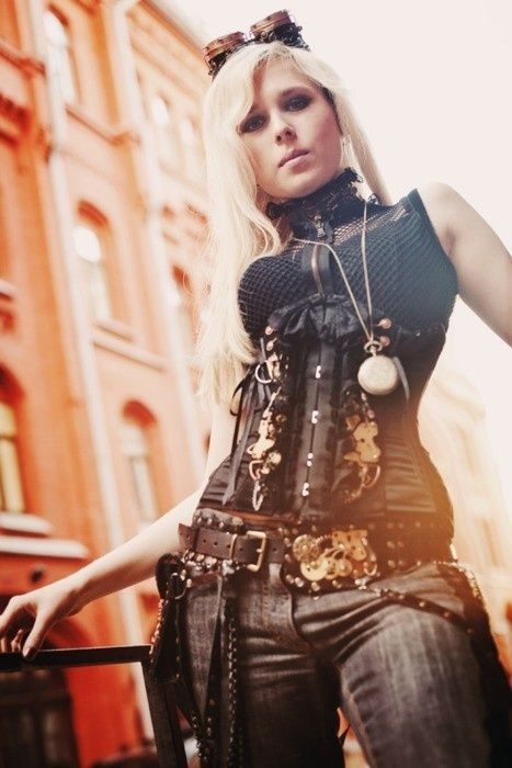 Steampunk girl: just perfect!