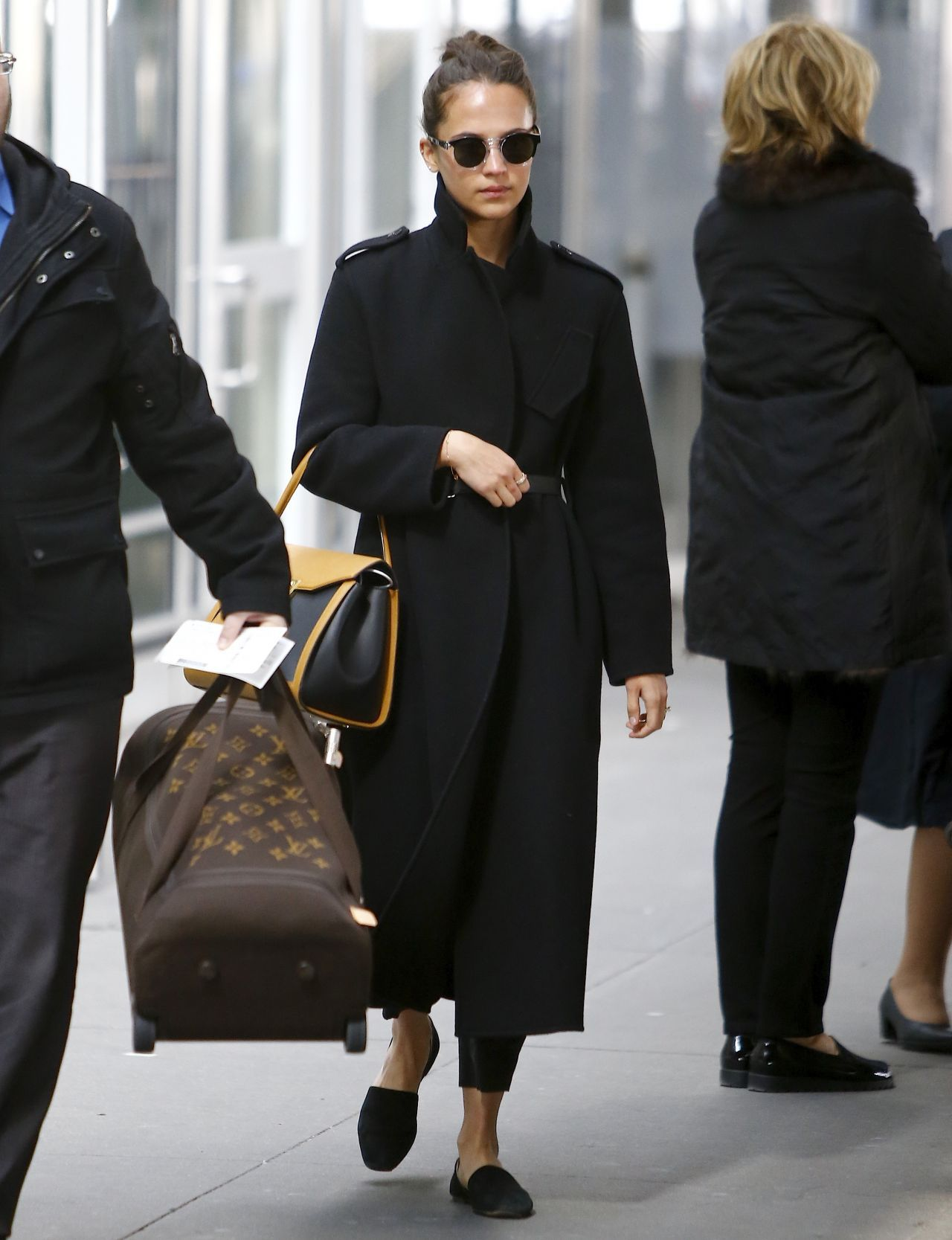 Alicia Vikander Travel Style 03/06/2019 #AliciaVikander #Celebrity #Photos #Pics #Private #Style #celebrityphotos