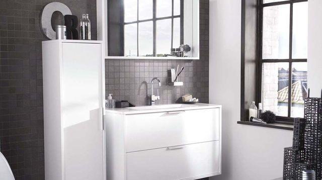 Je remets ma salle de bains au goût du jour - Repeindre Du Carrelage De Salle De Bain