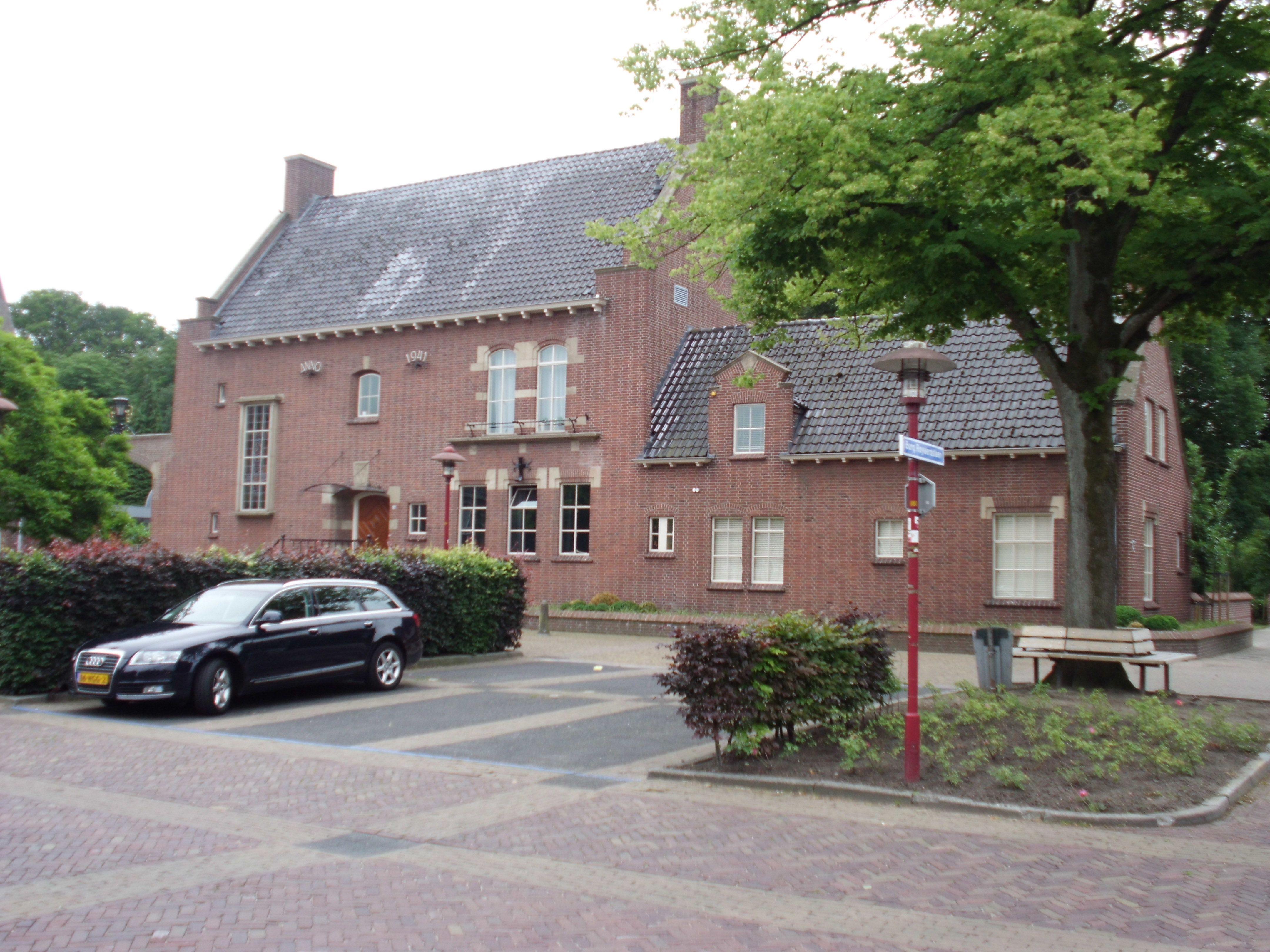 Voormalig gemeentehuis Scherpenzeel. Architect Gerretsen