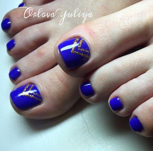 blue toe nail art