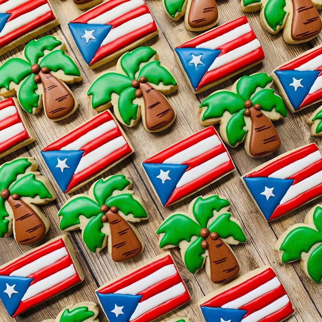 """🌸Patticakes Cookies🌸 on Instagram: """"Puerto Rican pride! 🇵🇷🌴❤️ . . #puertoricanflagcookies #palmtreecookies #palmtreeminicookies #decoratedsugarcookies #royalicing…"""""""